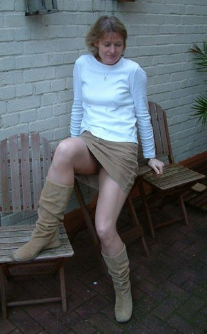 Becky teen escort in Haar, BY